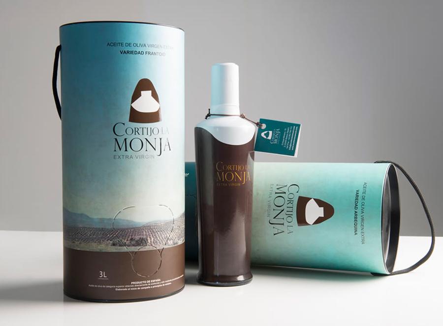 Packaging para Cortijo la Monja: botellas y bagintube para aceite de oliva virgen extra