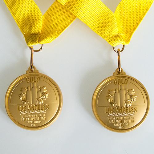 Doble medalla de oro en los Angeles International